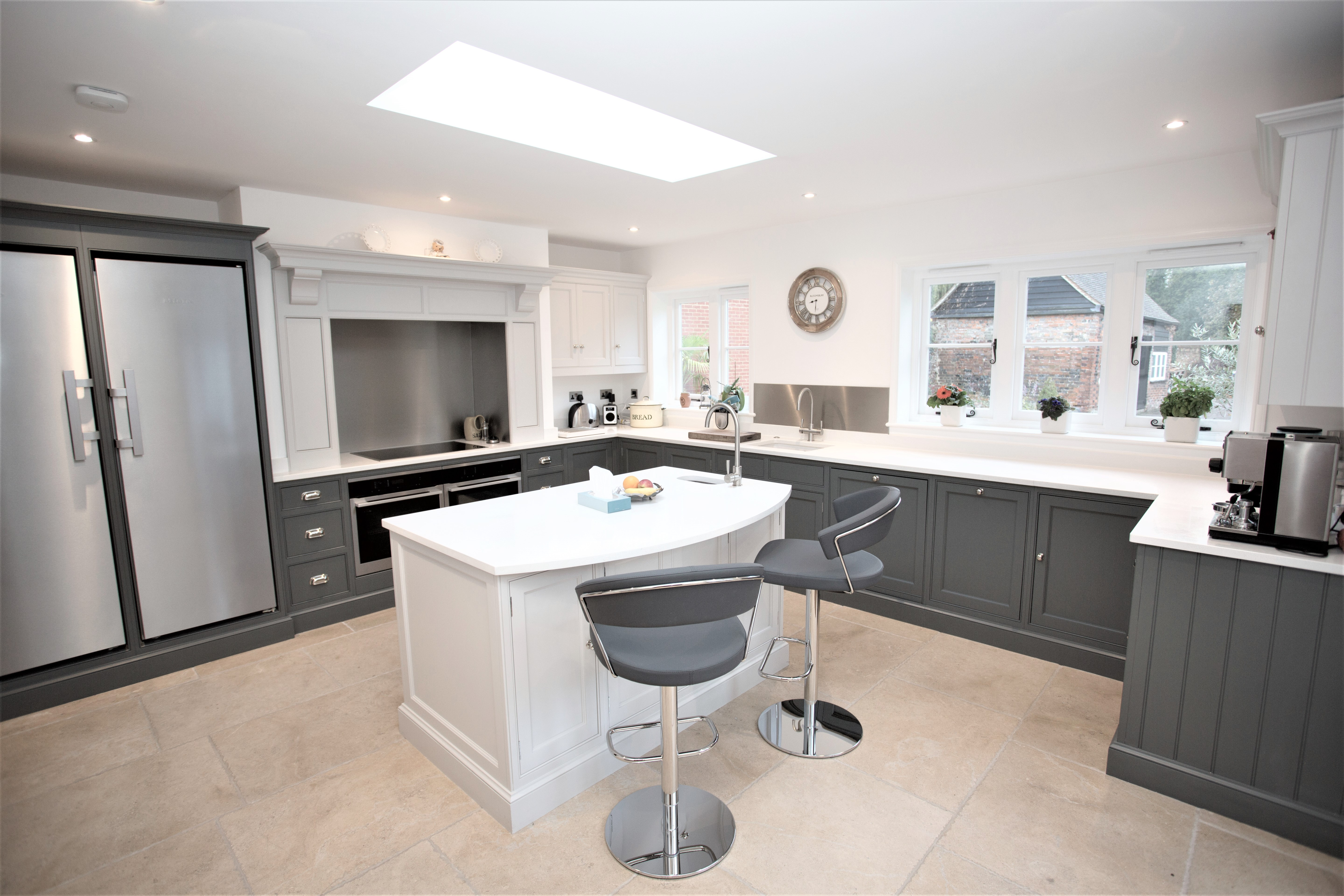 modern bespokee kitchens London Colney